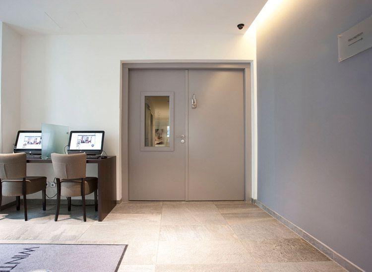 t ren im hotelbau bauunternehmen maurer stralsund schl sselfertig hausbau. Black Bedroom Furniture Sets. Home Design Ideas